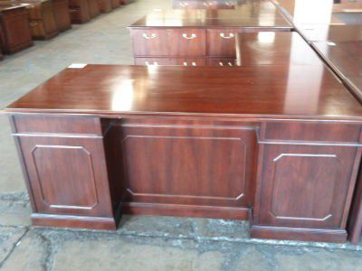 Kimball High End Office Desk For The Professional