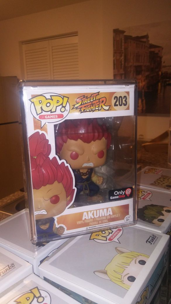 Funko Pop Akuma with protector GS exclusive