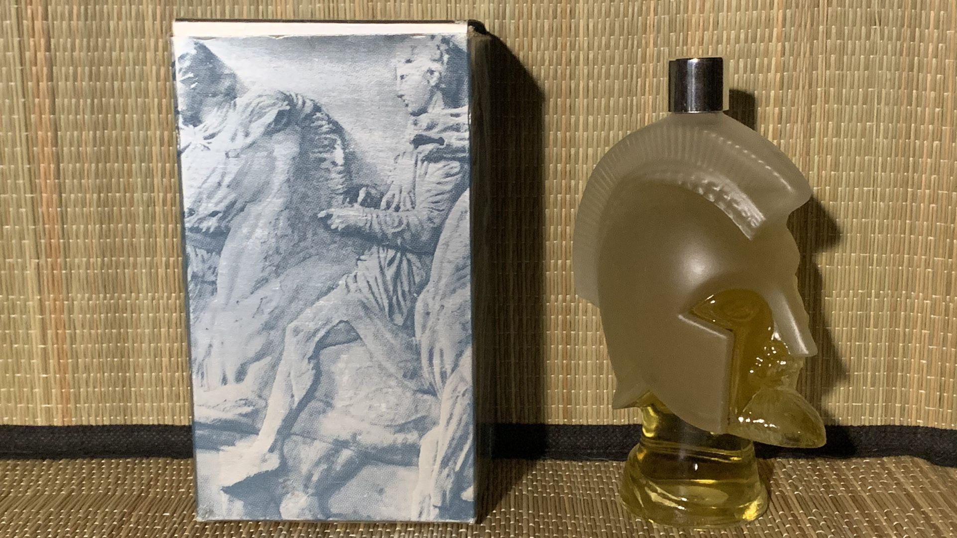 """Vintage Avon Tribute To Men Cologne in Collectible 6"""" Spartan Knight Head & Box 6 fl. ozs. New Full"""