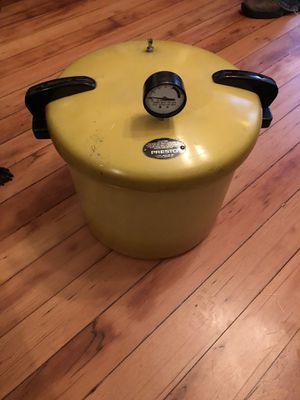 23 quart presto pressure cooker for Sale in Portland, OR
