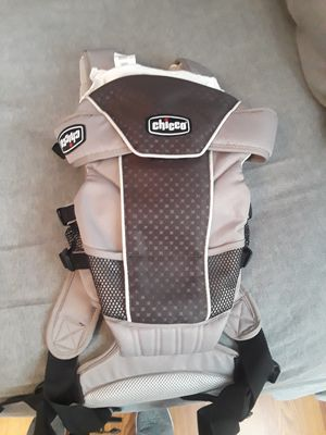 Chicco baby carrier for Sale in Hyattsville, MD