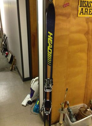 Head ski w Look bindings for Sale in St. Louis, MO