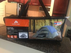 Ozark Trail 3 person Tent for Sale in Dallas, TX