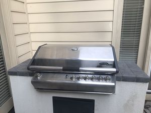 FREE..Turbo Select by BBQ Galore 6-Burner Grill with Cover for Sale in Rockville, MD
