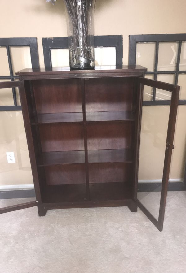 Antique Curio, china, book cabinet. Glass doors. (Antiques) in Everett, WA  - OfferUp - Antique Curio, China, Book Cabinet. Glass Doors. (Antiques) In