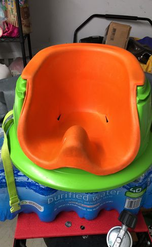 Booster seat for babies for Sale in Gaithersburg, MD