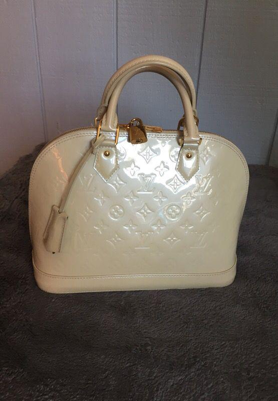 1490e12d41e Louis Vuitton Vernis Alma Pm Bag (Beige) for Sale in San Francisco