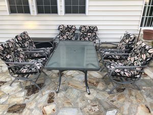 Sleek Patio Furniture (7 Pieces) for Sale in Arlington, VA