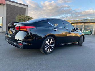2019 Nissan Altima Thumbnail