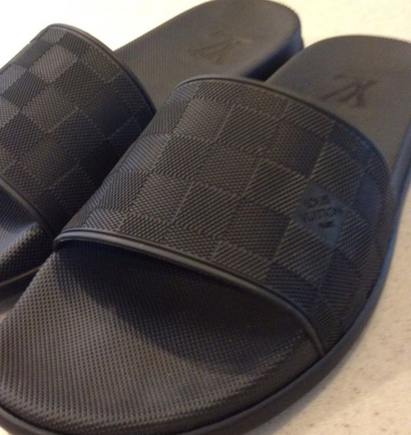 58e2f9b0d9f873 Men s Louis Vuitton sandals (Clothing   Shoes) in Houston