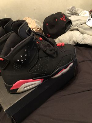 Infrared retro 6s SIZE 8 for Sale in Oxon Hill, MD