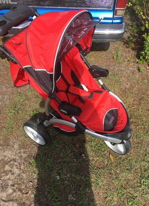 Mia moss stroller fairly new lost front piece while moving Mia moda for Sale in Orlando, FL