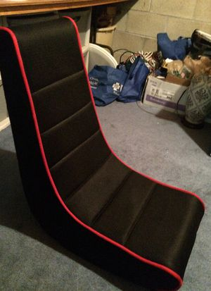 Video game chair with game pocket for Sale in Abingdon, MD