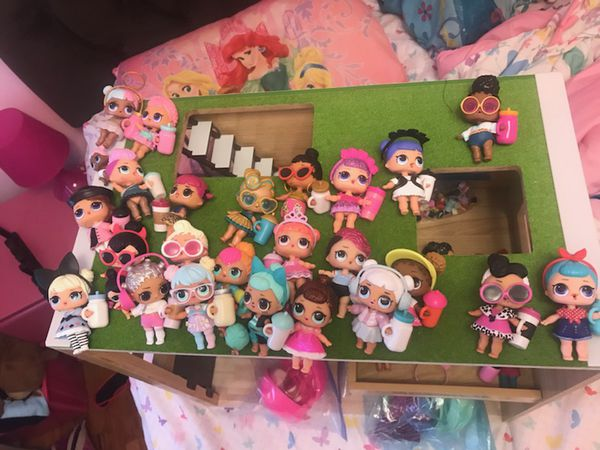 38 Lol Dolls Doll House Included For Sale In Philadelphia