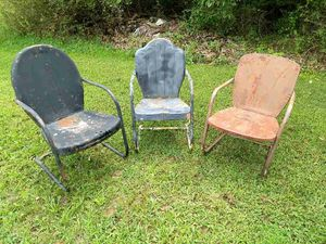 Vintage Metal lawn chairs for Sale in Bunker Hill, WV