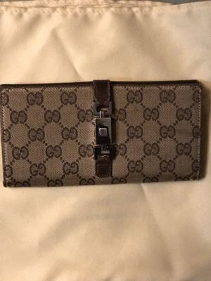 dadd7f0dd75 New and Used Gucci wallet for Sale in Lake Stevens