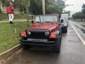 Jeep wrangler 1998 very good car nothing wrong 144 miles manual for Sale in Mount Rainier, MD