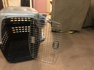 Dog crate plus home creamer sprays for Sale in Baltimore, MD