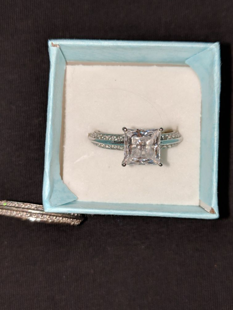 BRAND NEW SIZE 10 Sterling Silver Rhodium Plated Bella Luce weddinpg set GORGEOUS... REDUCED THE PRICE NEED GONE ASAP