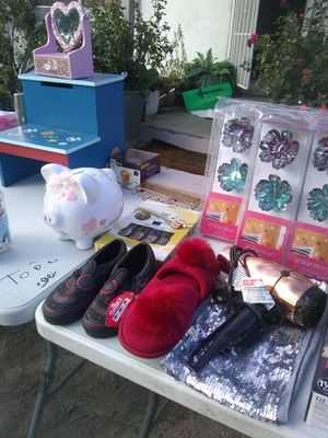 YARDSALE TODAY for Sale in Bloomington, CA