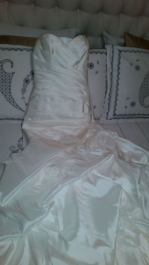 Wedding dress for Sale in Peoria, AZ - OfferUp