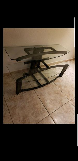 TV stand/ table/ Mesa para TV for Sale in Miami, FL
