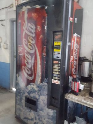 COKE MACHINE for Sale in Manassas, VA