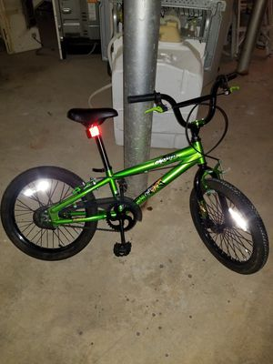 Medium size bike bicycle great condition for Sale in Falls Church, VA