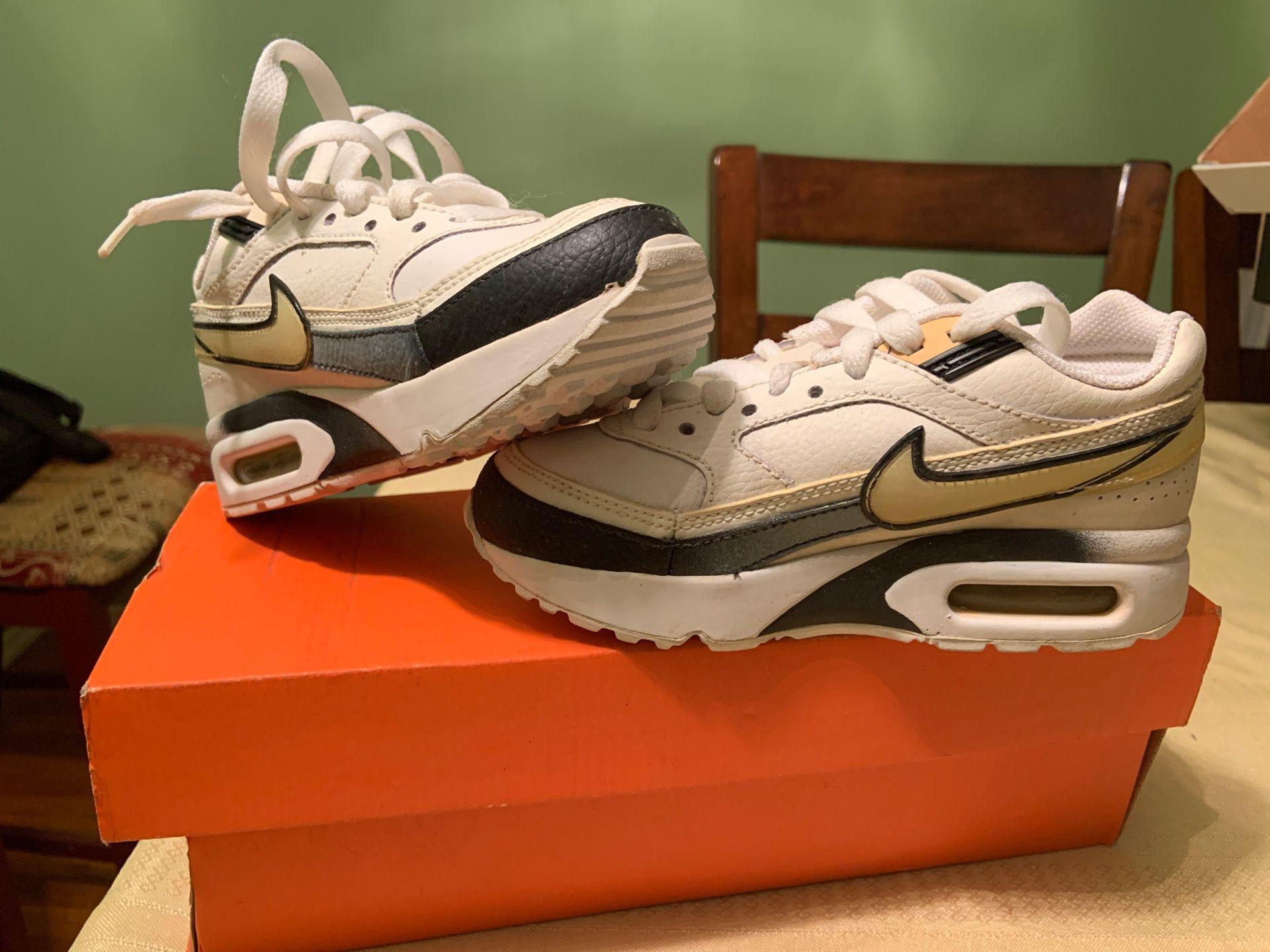 Nike Max air. 12c