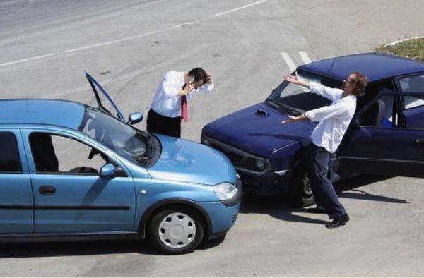 Compro carros chocados con título pago cash for Sale in