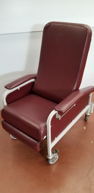 Hospital chair / patient recliner for Sale in Portland, OR