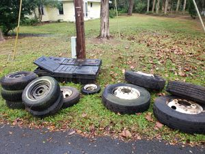 Free Tool boxes and rims for semi and trucks for Sale in DeBary, FL