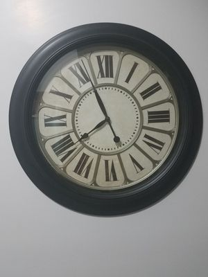 "Battery wall decor clock, 18"" dia for Sale in New York, NY"