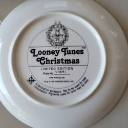 Looney Tunes Collector's Plate Thumbnail