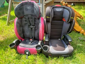 Photo Graco and evenflo car seat