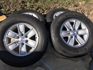 Photo GMC Sierra SLE TIRES AND RIMS
