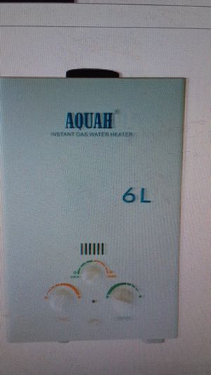 Aqua Natural Gas instant tankless water heater for Sale in Los Angeles, CA