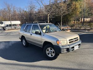 Nissan Pathfinder 2000 130k miles clean title for Sale in Falls Church, VA