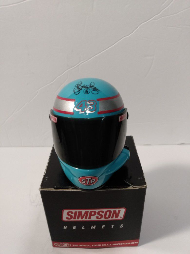 Classic Richard Petty Mini Simpson Helmet.New