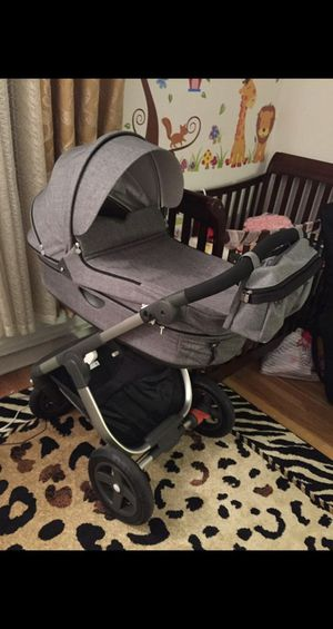 For sale is a STOKKE CRUISE stroller 2017, retail price is $1500 im asking $400 slightly used, like a new ! its comes combo: bassinet, sits, carriag. for Sale in Washington, DC