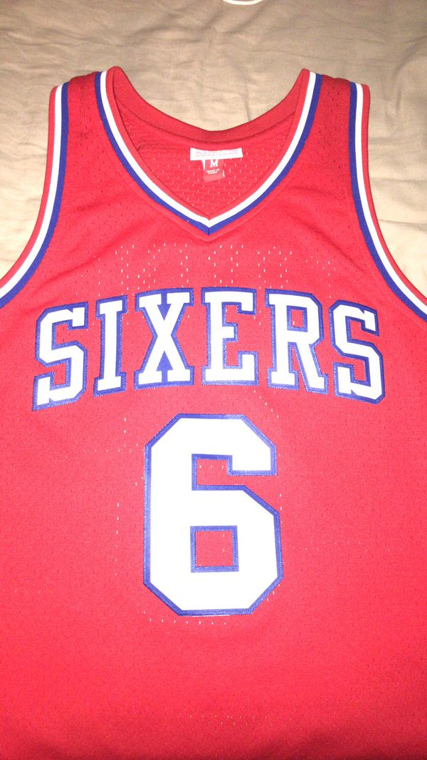 Sixers Jersey (Julius Erving) Size:M for Sale in Philadelphia, PA - OfferUp