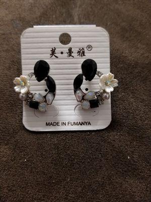 Earrings for Sale in Woodlawn, MD