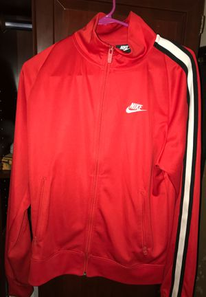 Photo Nike red jacket
