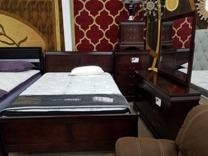 New in stock Cherry queen-size complete 5 piece bedroom set for Sale in Beltsville, MD