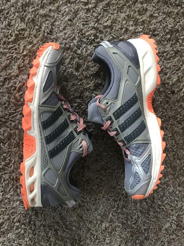 size 40 cef4b 15a6c Women s adidas kanadia tr 6 athletic shoes sz 9