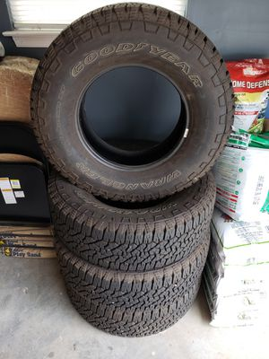 Photo 285/70/17 Goodyear Wrangler Trail A/T 10-Ply