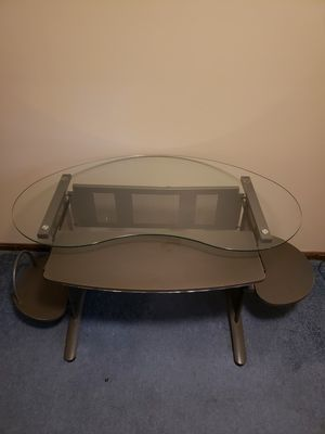 Computer desk for Sale in Strongsville, OH