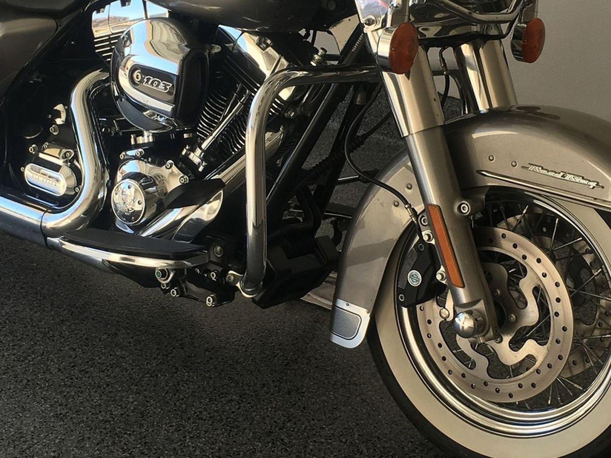 Photo 2016 Harley roadking