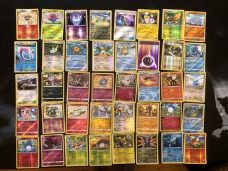 Lot of 240 POKÉMON 2013-2020 Holo Cards Thumbnail