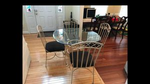Dining room table with 4 chairs for Sale in Leesburg, VA
